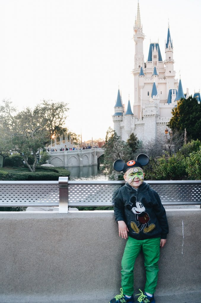 How To Plan An Affordable Last Minute Trip To Disney World